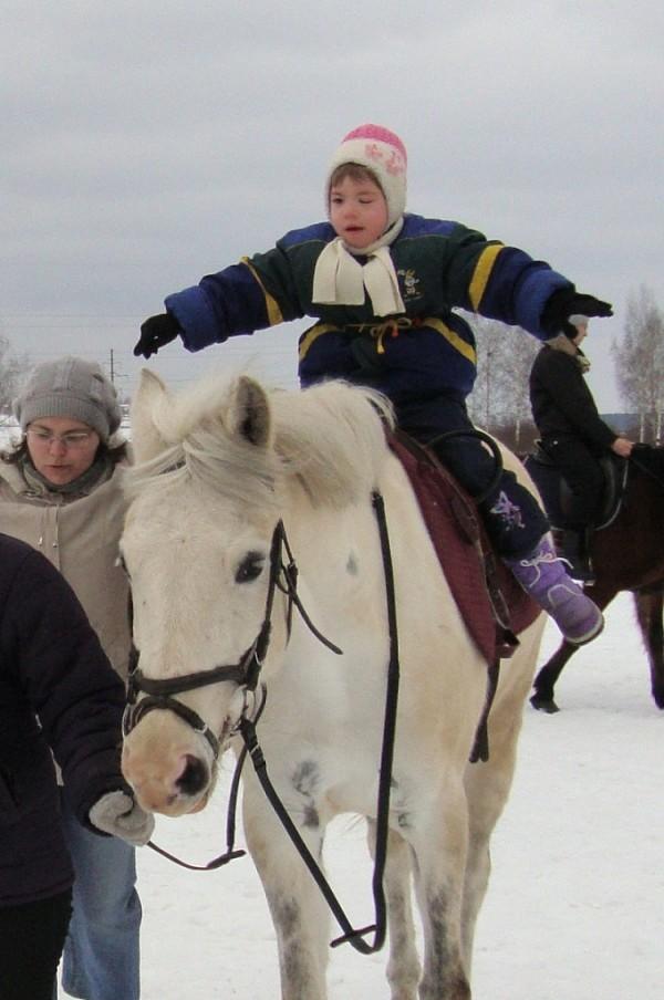 Иппотерапия и лечебная верховая езда (ЛВЕ) - Лиза на Нике