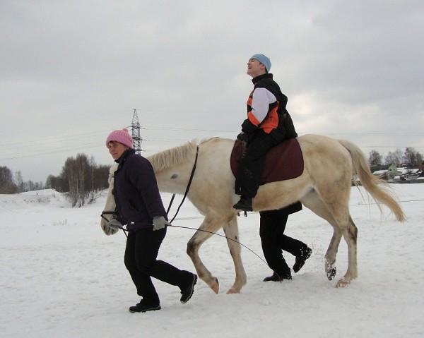 Иппотерапия и лечебная верховая езда (ЛВЕ) - Занятие с Мишей. Рысью.
