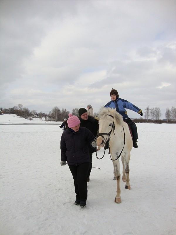 Иппотерапия и лечебная верховая езда (ЛВЕ) - Иппотерапия. Сережа на Нике (март 2011)
