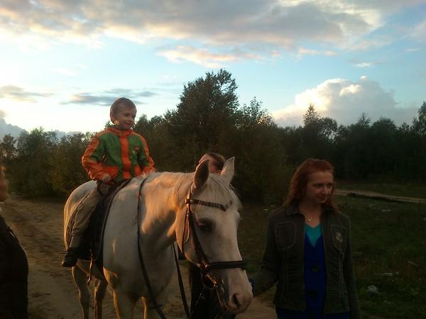 Иппотерапия и лечебная верховая езда (ЛВЕ) - Тема и Степа