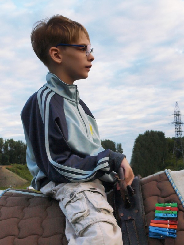 Иппотерапия и лечебная верховая езда (ЛВЕ) - У Сережи большой прогресс